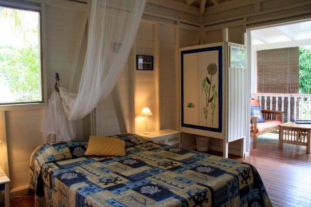 La chambre bâbord de la Case ou bungalow de la villa Guadeloupe