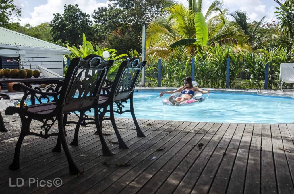 Un moment de détente dans la piscine